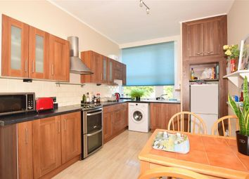 Thumbnail 2 bedroom flat for sale in York Avenue, East Cowes, Isle Of Wight