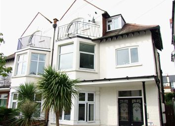 Thumbnail 2 bed flat to rent in Leigh Cliff Road, Leigh-On-Sea