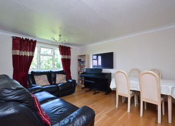 Thumbnail 2 bedroom flat for sale in Shillitoe Avenue, Potters Bar