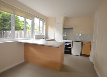 Thumbnail 4 bed flat to rent in Bredgar Road, London