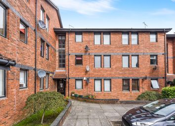 Thumbnail 2 bed flat for sale in Lylesland Court, Paisley