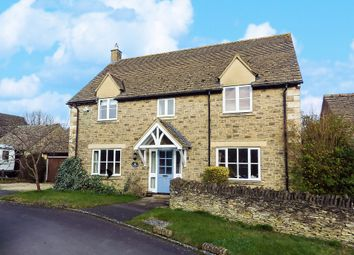 Thumbnail 4 bed detached house to rent in Farmhouse Close, Witney, Oxfordshire