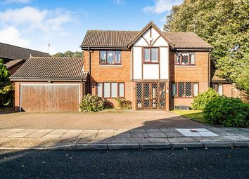Thumbnail 4 bed detached house to rent in Heathview Drive, London