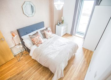 1 bed flat for sale in X1 Media City, Michigan Avenue, Salford Quays, Media City M5