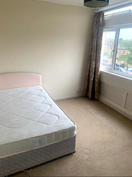 Thumbnail 3 bed shared accommodation to rent in Cedars Road, Clapham