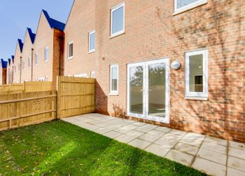 3 bed detached house for sale in Caxton Close, Edenbridge TN8