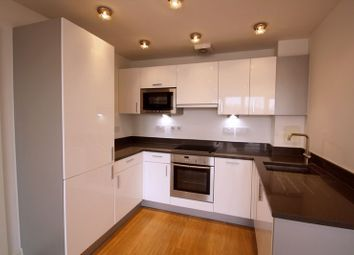 Thumbnail 1 bed flat to rent in Whytecliffe Road South, Purley