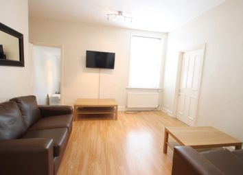 Thumbnail 3 bedroom flat to rent in Gordon Road, London