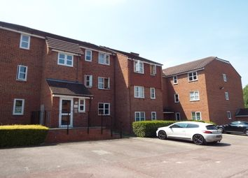 Thumbnail 2 bedroom flat to rent in Marmet Avenue, Letchworth Garden City