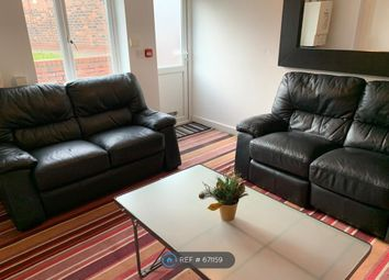 2 bed flat to rent in Monton Road, Eccles, Manchester M30