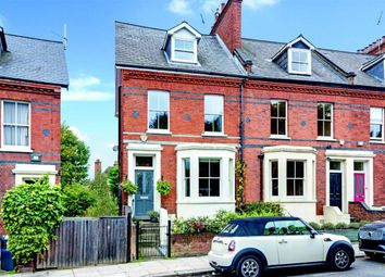 4 bed property for sale in Platts Lane, London NW3