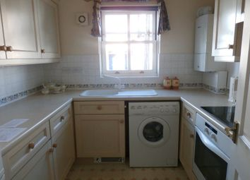 Thumbnail 1 bed flat to rent in Ravensworth Gardens, Cambridge