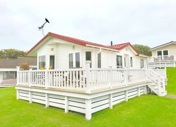 Thumbnail 2 bed mobile/park home for sale in Hillway, Isle Of Wight
