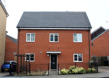 Thumbnail 4 bed detached house to rent in Havergate Way, Reading, Berkshire