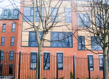 Thumbnail 3 bedroom flat to rent in Clarendon Road, Leeds
