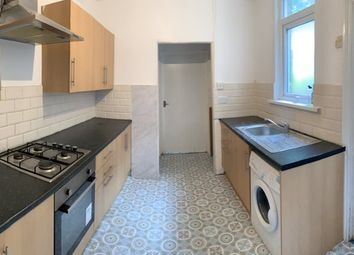 Thumbnail Room to rent in Meads Lane, Seven Kings