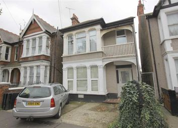 Thumbnail 1 bed flat to rent in Kilworth Avenue, Southend On Sea, Essex