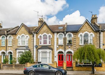 Thumbnail 1 bed flat to rent in Powerscroft Road, Clapton