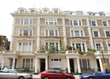Thumbnail 1 bed flat to rent in Clanricarde Gardens, London