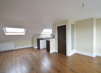 Thumbnail 2 bed flat to rent in Brooke Road, London