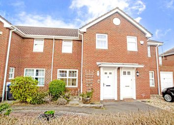 Thumbnail 3 bed property to rent in Longcroft Gardens, Welwyn Garden City