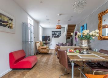 Serviced town house to rent in Queensdale Place, London W11