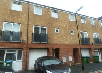 Thumbnail 4 bed town house to rent in Clench Street, Southampton