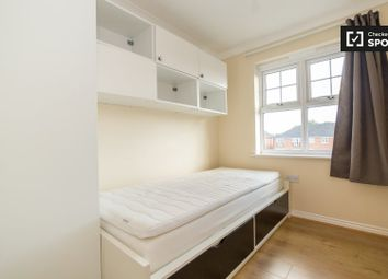 1 bed property to rent in Bampton Drive, London NW7