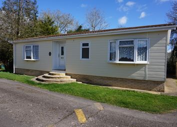 Thumbnail 2 bedroom mobile/park home for sale in Thameside Court, Northmoor, Witney