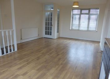 3 bed property to rent in Dixon Street, Swindon SN1
