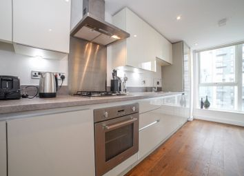 20 Norman Road, Greenwich SE10. 3 bed flat