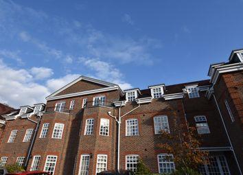 15 Ravens Court, Castle Village, Berkhamsted, Hertfordshire HP4. 2 bed flat for sale