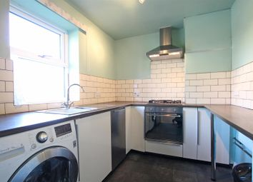 Thumbnail 2 bed flat to rent in Oxford Road, Guiseley, Leeds