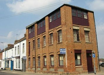 Thumbnail 2 bed flat to rent in 76 Overstone Road, The Mounts, Northampton