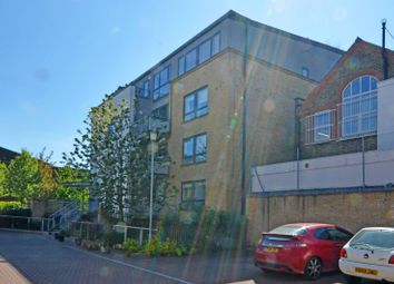 Thumbnail 2 bed flat to rent in Gopsall Street, Hoxton
