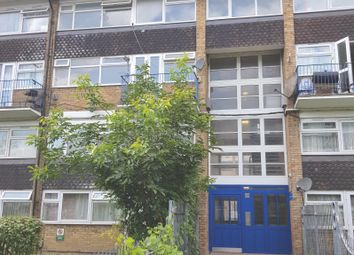 Bounces Road, Edmonton N9. 4 bed maisonette