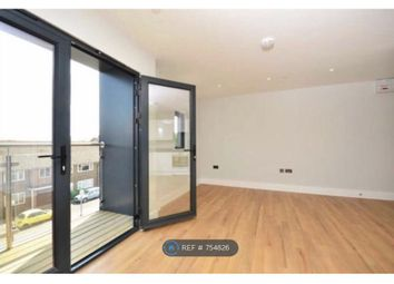 Thumbnail 1 bed flat to rent in West Byfleet, Woking