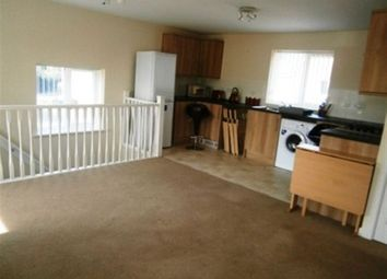 Thumbnail 2 bed flat to rent in Petitor Crescent, Coventry