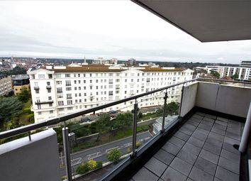 Thumbnail 3 bed flat to rent in Russel Cotes Road, Bournemouth