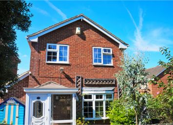 Thumbnail 3 bed detached house for sale in Ripple Field, Swindon