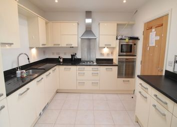 Thumbnail 2 bed flat to rent in Between Streets, Cobham