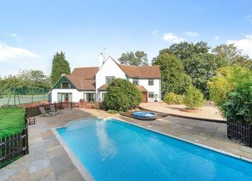 Thumbnail 6 bed detached house to rent in Fairoak Lane, Oxshott