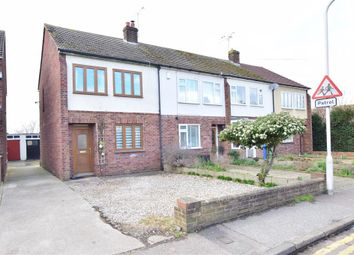 3 bed end terrace house for sale in Priory Row, Faversham, Kent ME13