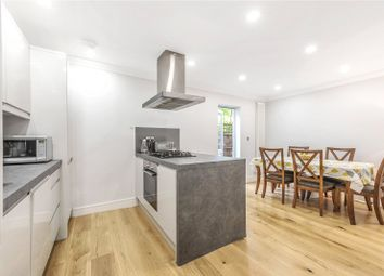2 bed maisonette to rent in Finsbury Road, Wood Green, London N22