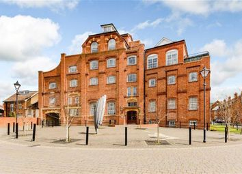Thumbnail 3 bedroom penthouse for sale in Coopers Lane, Abingdon