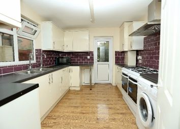 Thumbnail 5 bed terraced house to rent in Somerby Road, London