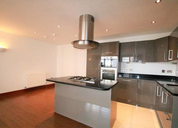 Thumbnail 2 bed flat to rent in Scarbrook Road, East Croydon, Surrey