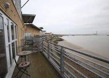 Thumbnail 2 bed flat to rent in Carmichael Avenue, Greenhithe, Kent