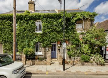 3 bed property for sale in Braemar Road, Brentford TW8