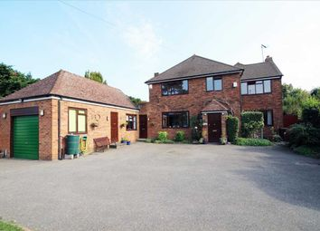 Aldenham Road, Bushey WD23.. 4 bed detached house